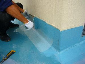 ウレタン塗膜防水 密着工法 施工場所:バルコニー・架台等